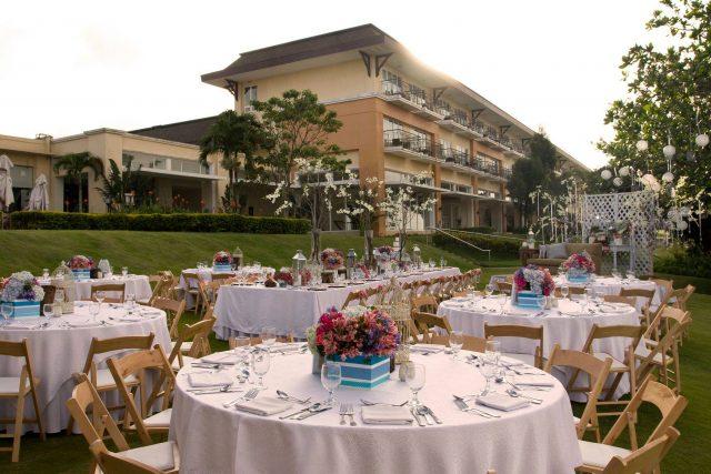 taal vista hotel outdoor reception