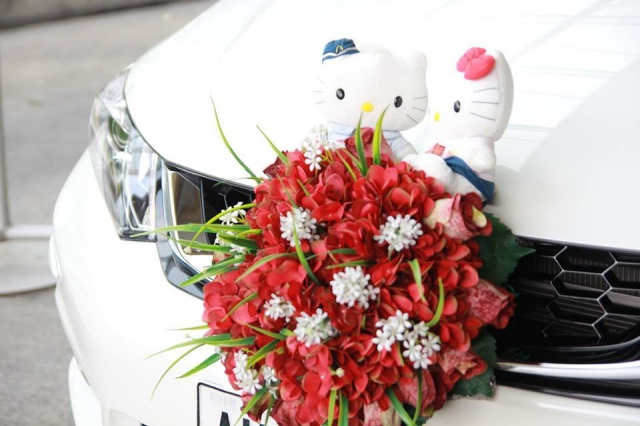 hello kitty themed wedding