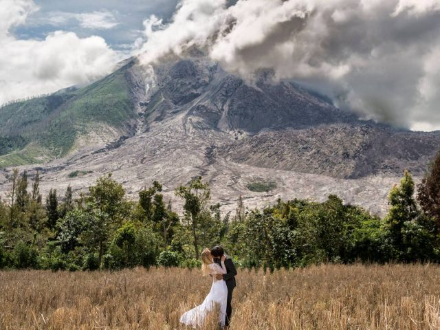 Keow Wee Loong Mt Sinabung Prenup Photo