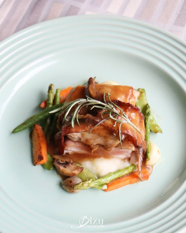 pollo al fungi porcini bizu catering studio