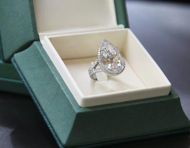 paris hilton engagement ring greenandco