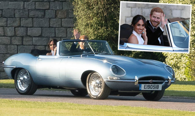 #royalwedding2018 wedding car daily express