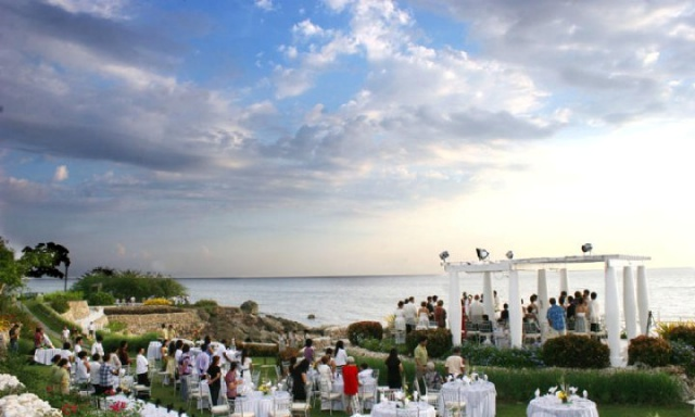 Beach Wedding at Thunderbird Resort Poro Point